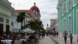 Die Fussgängerzone ist in Cienfuegos am Wochenende recht belebt